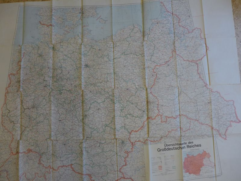 - Mapa. Übersichtskarte des Grossdeutschen Reiches