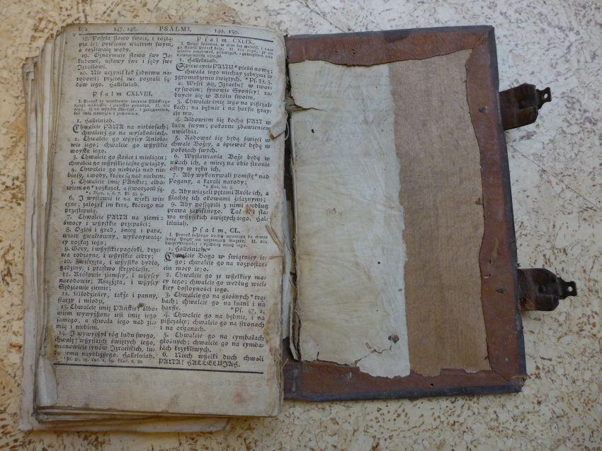 - Nowy Testament Pana naszego Jezusa Chrystusa z greckiego języka na polski pilnie i wiernie przetłumaczony, a teraz podług edycji gdańskiej z roku 1632 i edycji berlińskiej z roku 1738 powtórnie przedrukowany